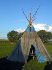 construire un tipi latoilescoute. Black Bedroom Furniture Sets. Home Design Ideas